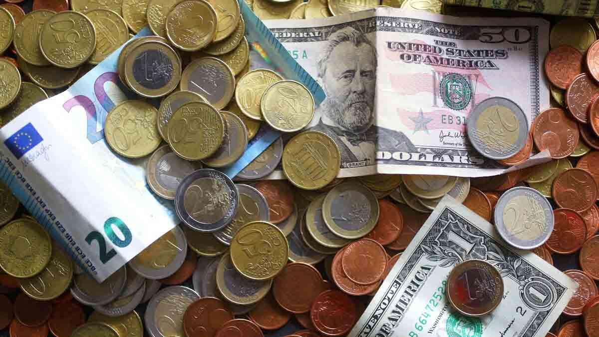 Перевести євро в долари