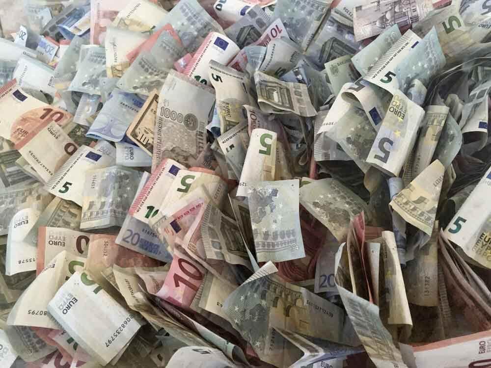 заміна пошкодженої валюти у Києві